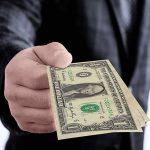 Mơ thấy được cho tiền đánh tất tay cặp số nào ăn chắc?